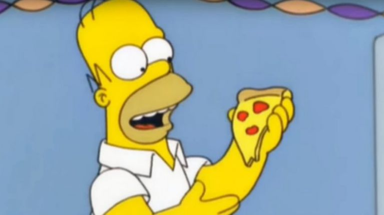 """The amount of pizza in a 18"""" pizza compared to two 12"""" pizzas is freaking people out"""