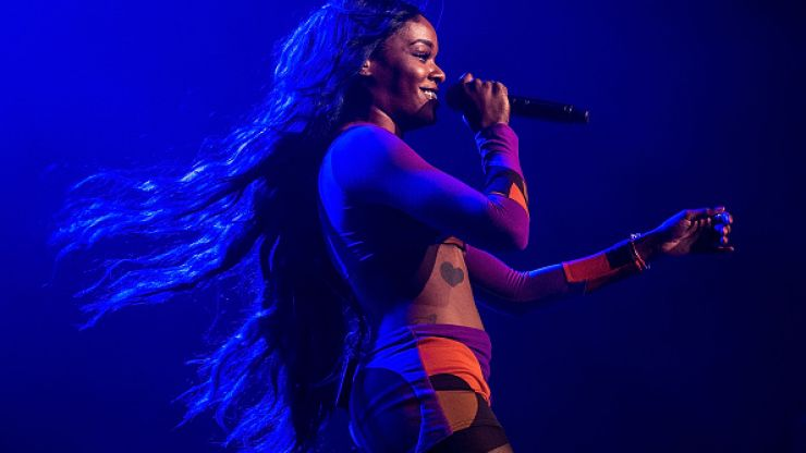 Azealia Banks gets off her flight to Dublin after reporting incident with Aer Lingus staff