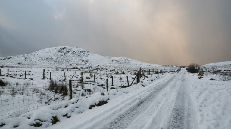 Met Éireann forecasts snow will fall in parts of Ireland today