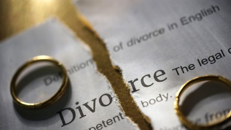 Couple divorce just three minutes after getting married