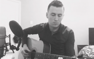 Donegal musician plays beautiful tribute to friends who died