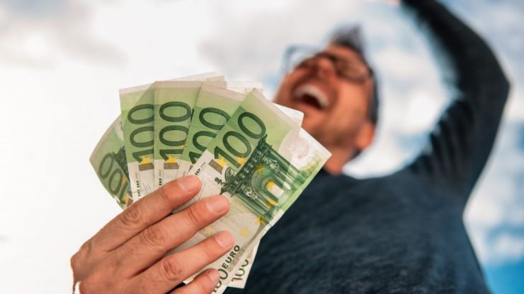 Here is how to win €1,000 with the gradireland National Student Challenge