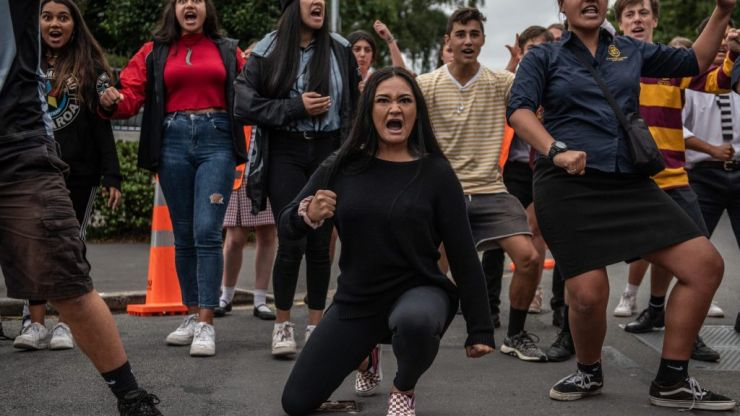 New Zealand schoolchildren perform impromptu haka in memory of friends murdered in Christchurch terror attack