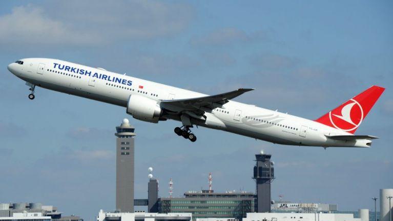 32 injured as severe turbulence tosses passengers on flight to New York
