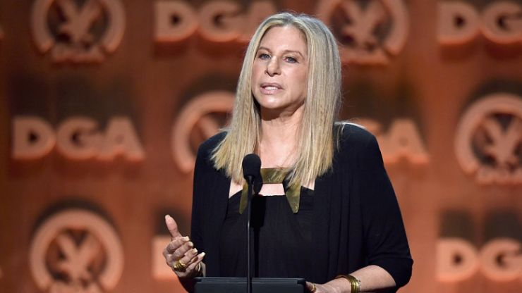 Barbra Streisand has apologised for remarks about Michael Jackson's accusers