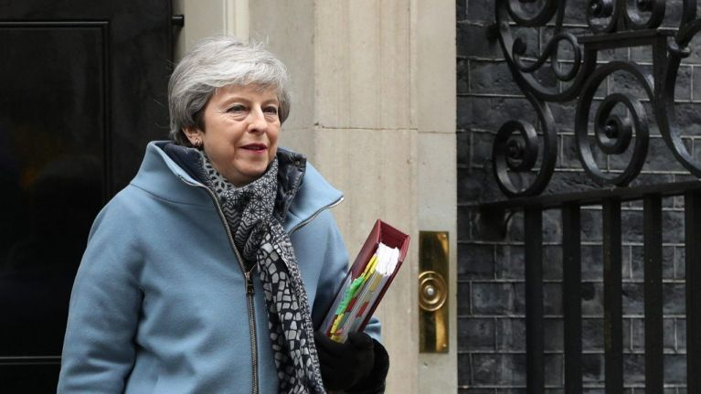 Theresa May promises to resign as UK Prime Minister if her Brexit deal is delivered (Report)