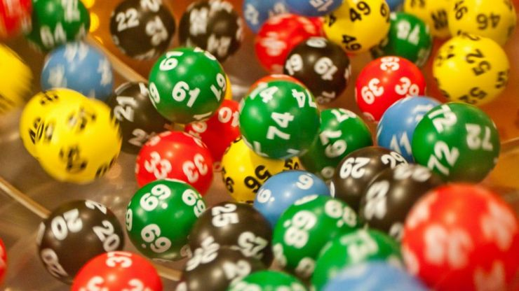 Here's how you can enter this week's €553 million Powerball lottery in the US
