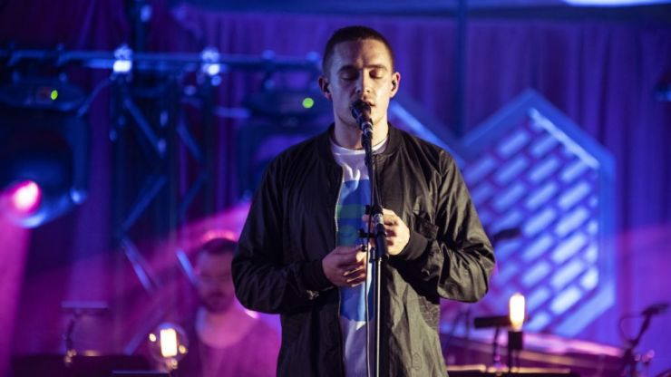 EXCLUSIVE: Dermot Kennedy performs 'Outnumbered' at Other Voices Berlin