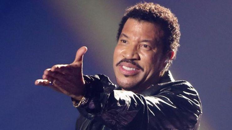 Lionel Richie announces Irish gig for 2020