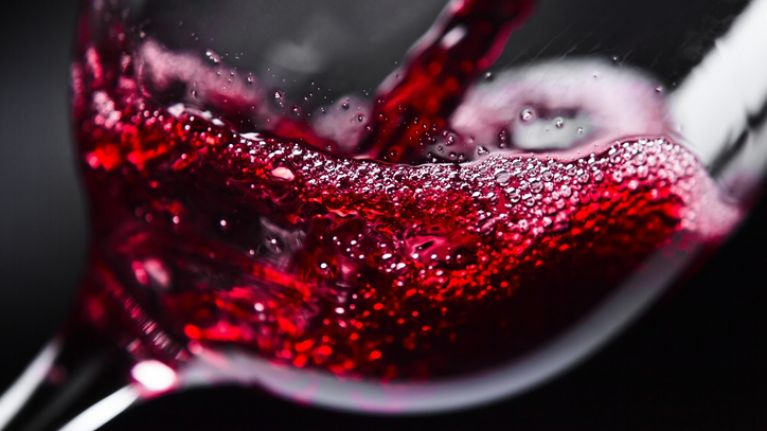 Lidl selling non-alcoholic wine for €3 per bottle this Christmas