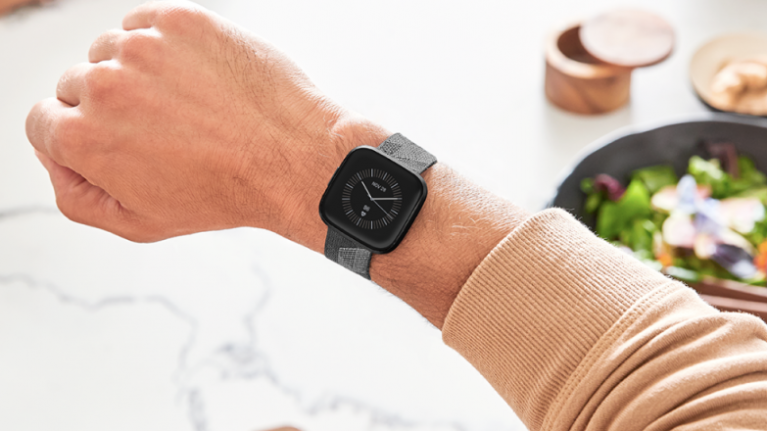 REVIEW: Fitbit Versa 2 - A great fitness tracker with some smartwatch additions