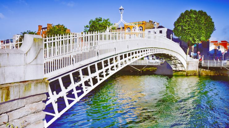 Dublin City Council asks people not leave clothes for the homeless on Ha'penny Bridge