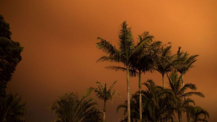 Rain in Australia has little impact on raging bushfires