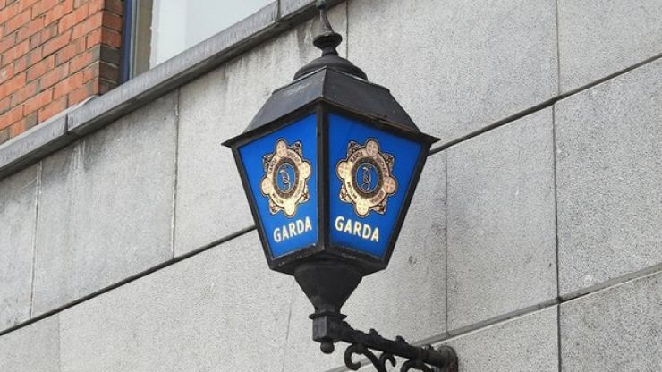 Man arrested after attempting to destroy evidence of criminal activity with bribe payments of €17,000