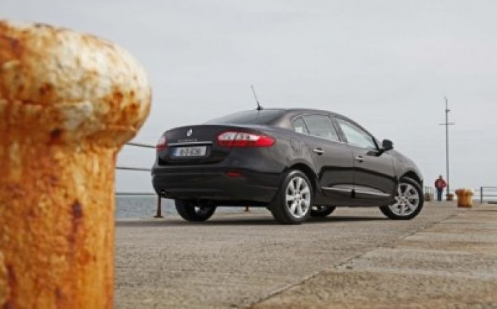 On the road with the Renault Fluence | JOE is the voice of Irish