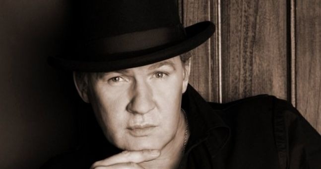 Johnny Logan on Jedward, Louis, burgers and Bertie