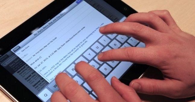 Irish school kids swap books for iPads
