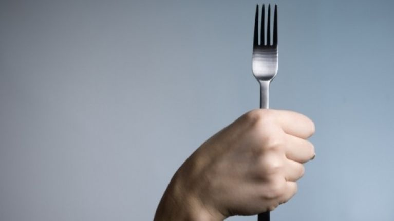 Easygoing gadgets: Alarm-equipped fork