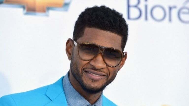 Usher Makes Us Say Omg With Garish Turqoise Suit Joe Is The