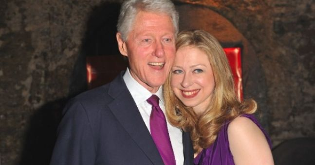 """Bill Clinton hosts party, guests call it """"worst party ever"""""""