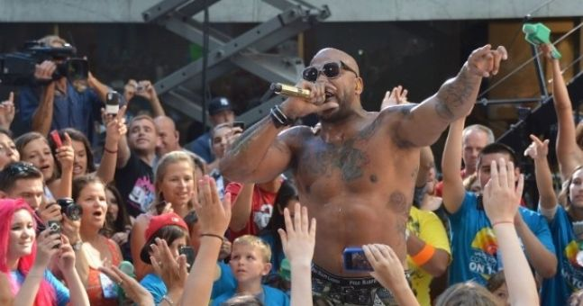 No one is ever going to blow Flo Rida's whistle unless he puts on a damn shirt