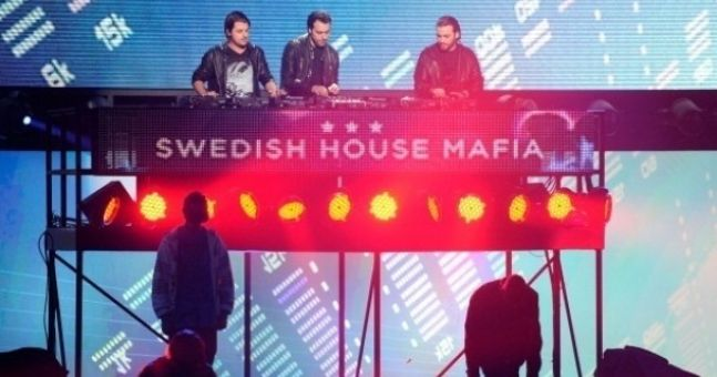 Three stabbed at Swedish House Mafia concert in the UK
