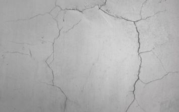 Ten Steps to... improving your house: Filling in wall cracks