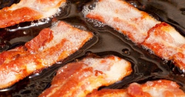 Survey reveals the sound of rain and sizzling bacon is music to our ears