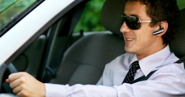 Irish need more cop-on when it comes to driving hands-free