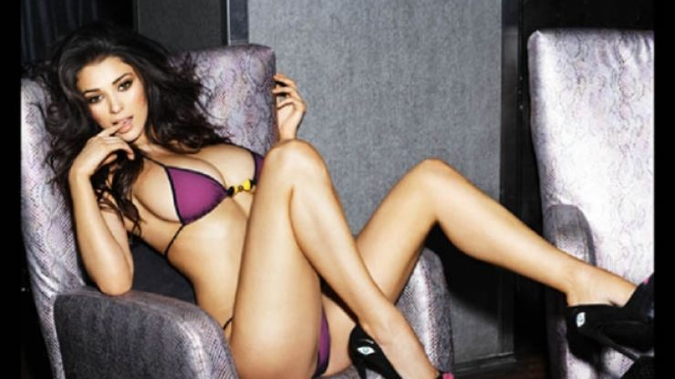 Pic: Georgia Salpa tweets a picture from her 2014 calendar