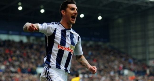 Unfortunate pic of the day: So this is Liam Ridgewell wiping his arse with £20 notes