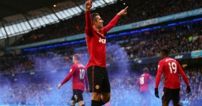 Video: The Robin van Persie goal that won the Manchester derby (What was Nasri doing?)