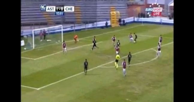 Video: Now that's what I call a dive