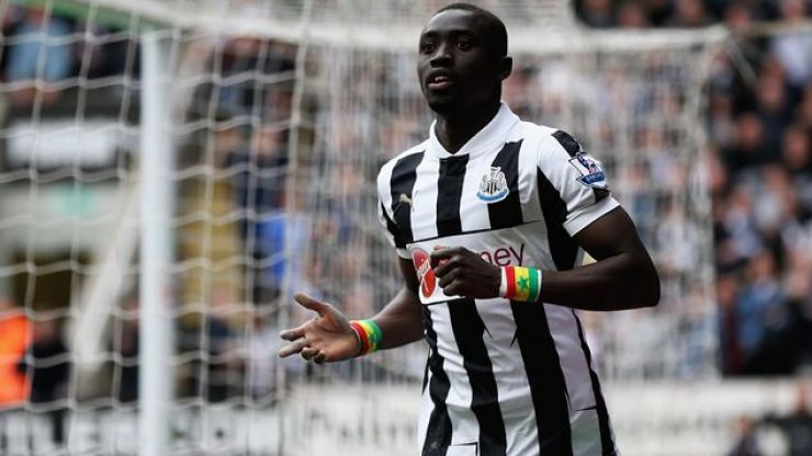 Taking the Papiss; Is this Newcastle star Cisse in a casino?