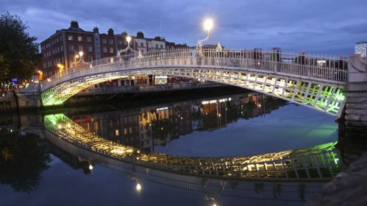 Video: This night drive around Dublin makes the old place look lovely