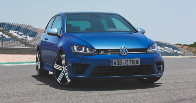 new golf r is the fastest production golf ever built. Black Bedroom Furniture Sets. Home Design Ideas