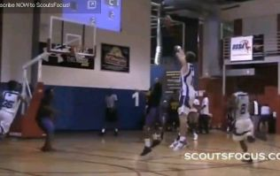 One-handed basketball sensation offered place on top college team