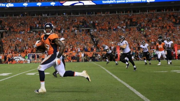Video: Denver Broncos linebacker learns about the folly of premature celebration the hard way