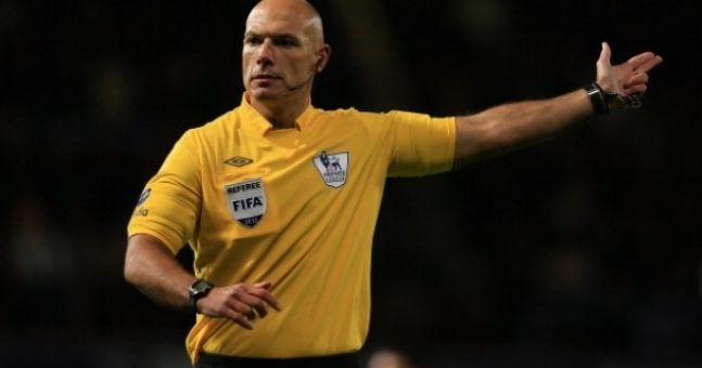 Video: What happened the last time Howard Webb refereed a Man U v Liverpool match