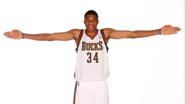 Pic: Just look at the size of this NBA rookie's hands