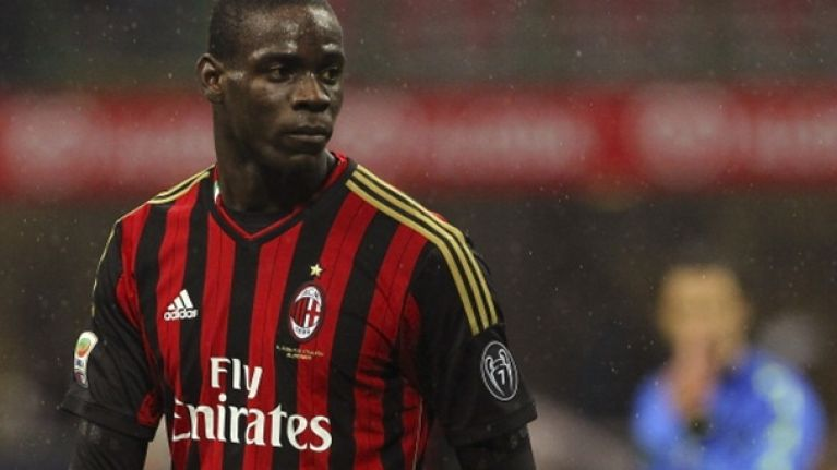 Pic: Mario Balotelli gets a warm Scottish welcome ahead of Champions League tie