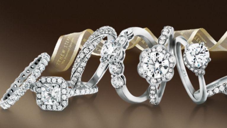 buying diamond engagement ring guide