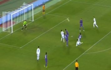 Video: A ridiculously brilliant scissors kick was scored against Fiorentina tonight