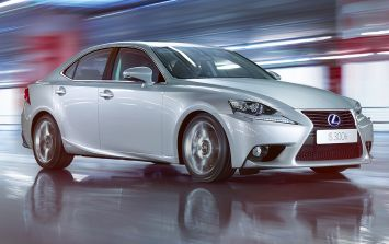 JOE's Car Review: Lexus IS300h