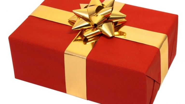 how to wrap the perfect christmas present joe is the voice of