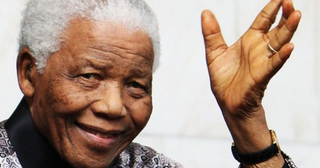 The Eiffel Tower tribute to Nelson Mandela is simply superb
