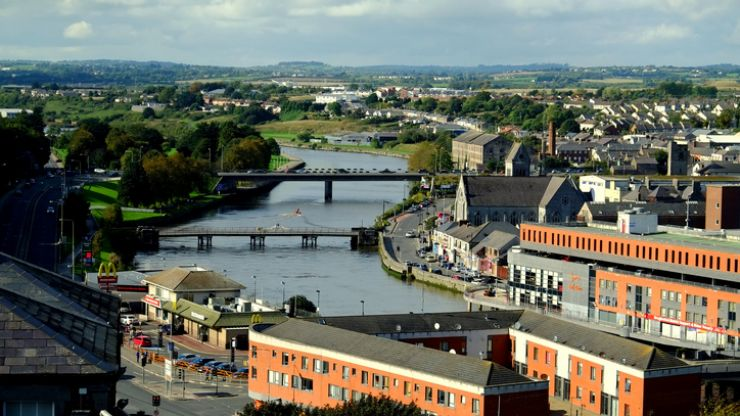 Search continues for young boy reported to have fallen into River Boyne in Drogheda