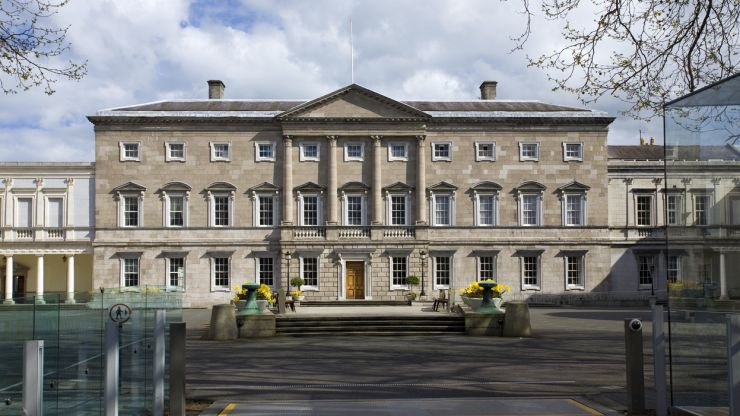 Dáil resumes as ministers will no longer self-isolate