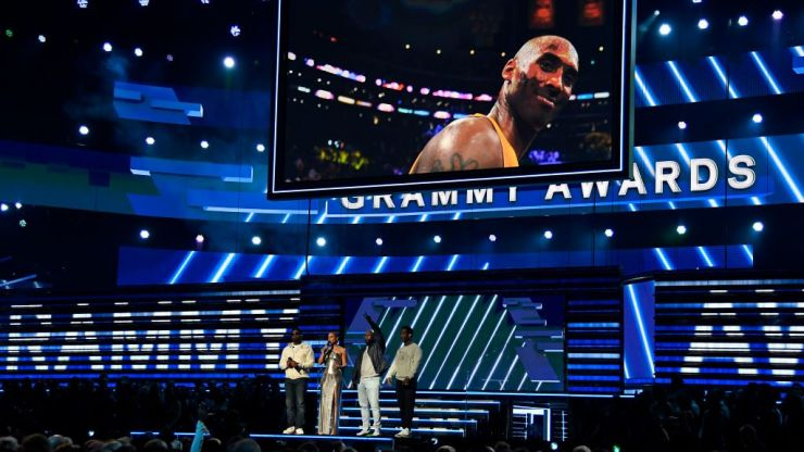 Alicia Keys and Boyz II Men perform emotional tribute to Kobe Bryant at the opening of the Grammys