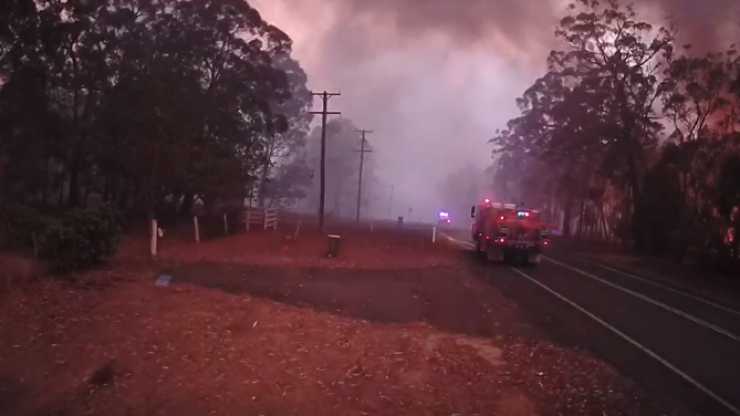 Australian fire brigade post truly scary video of a bushfire spreading wildly in just three minutes